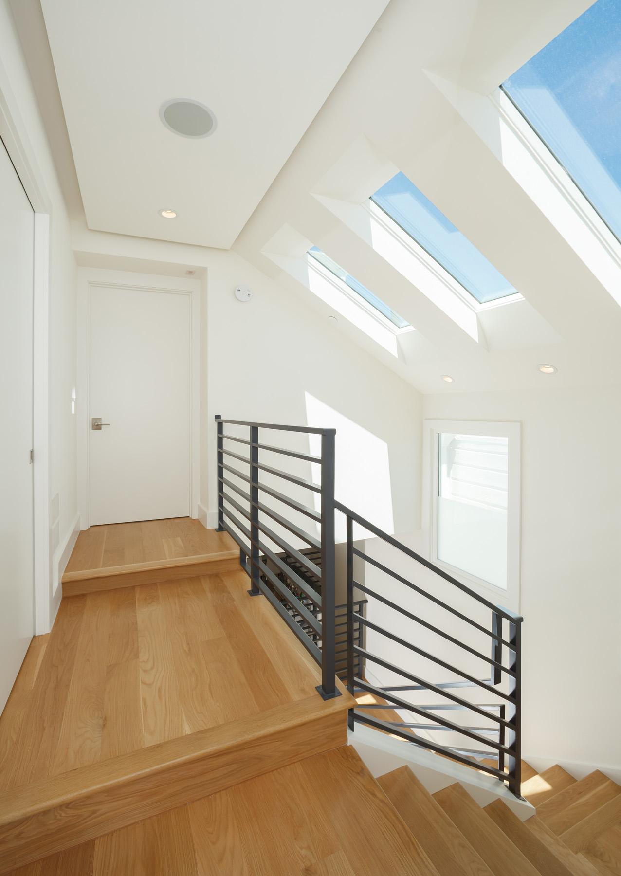Stairway_Landing_1100.jpg