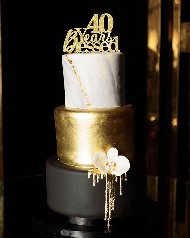 @dessert_fix made turning 40 beautifully delicious.  #greatgrace2019 📸: @crystal_artis . . . . . . .  #eventplanners #eventplannerlife  #atlantaweddingplanner #atlwedding #atlantaweddings #atlantawedding #birthdayqueen #birthdayking👑 #atlantaevents #atlantaevents #birthday🎂 #40thbirthdayparty #40yearsold #birthdaypartyideas #birthdayfavors #birthdaydecor #birthdaycakes #birthdaycake🎂 #cakeideas #3layercake