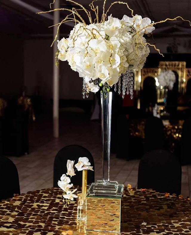 We love when our centerpieces look like abstract art.  #Greatgrace2019 Photography: @crystal_artis  Planner: @el_presidente09  Co Planner, design, Decor, & Florals: @uniqueroseevents @angelicaunique  Rentals: @georgia_party_rentals  Cake: @dessert_fix  Photo Booth: @taraharpphotography  Venue: @rendezvouseventcentre  Balloon Wall: @beholdballoons . . . . . . . #eventplanners #eventplannerlife #atlantaweddingplanner #atlwedding  #centerpieces  #atlantaweddings #atlantawedding #birthdayqueen #birthdayking👑 #atlantaevents #atlantaevents #birthday🎂 #40thbirthdayparty #40yearsold #birthdaypartyideas #birthdayfavors #birthdaydecor #decorando #artdecoring #artdecointerior #weddingdecorations #receptiondecor #weddingdecorator #eventdecorator #eventsdecor #eventsplanning #eventstylist #eventstyling #partyinspiration