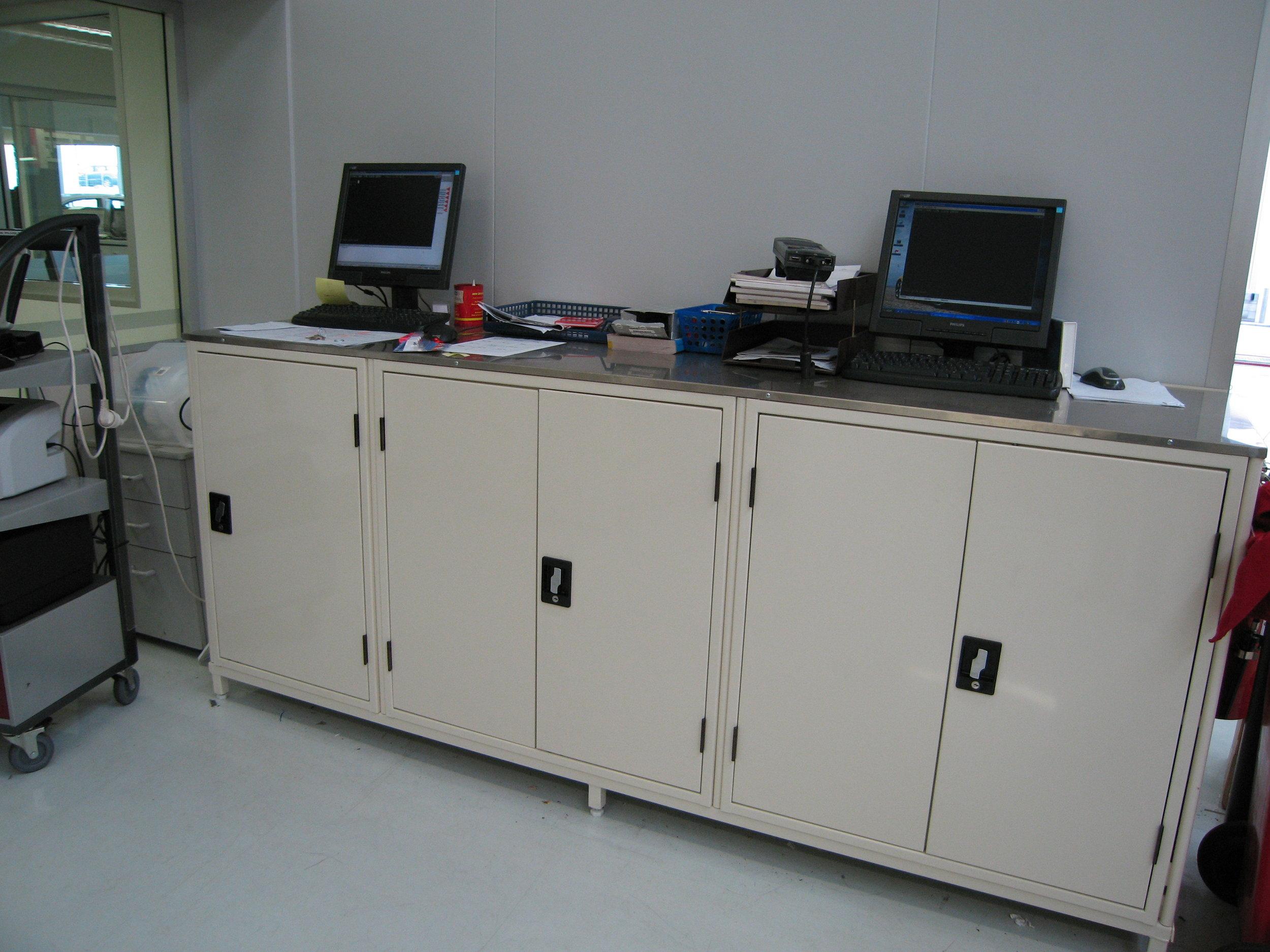 Lockable units.JPG