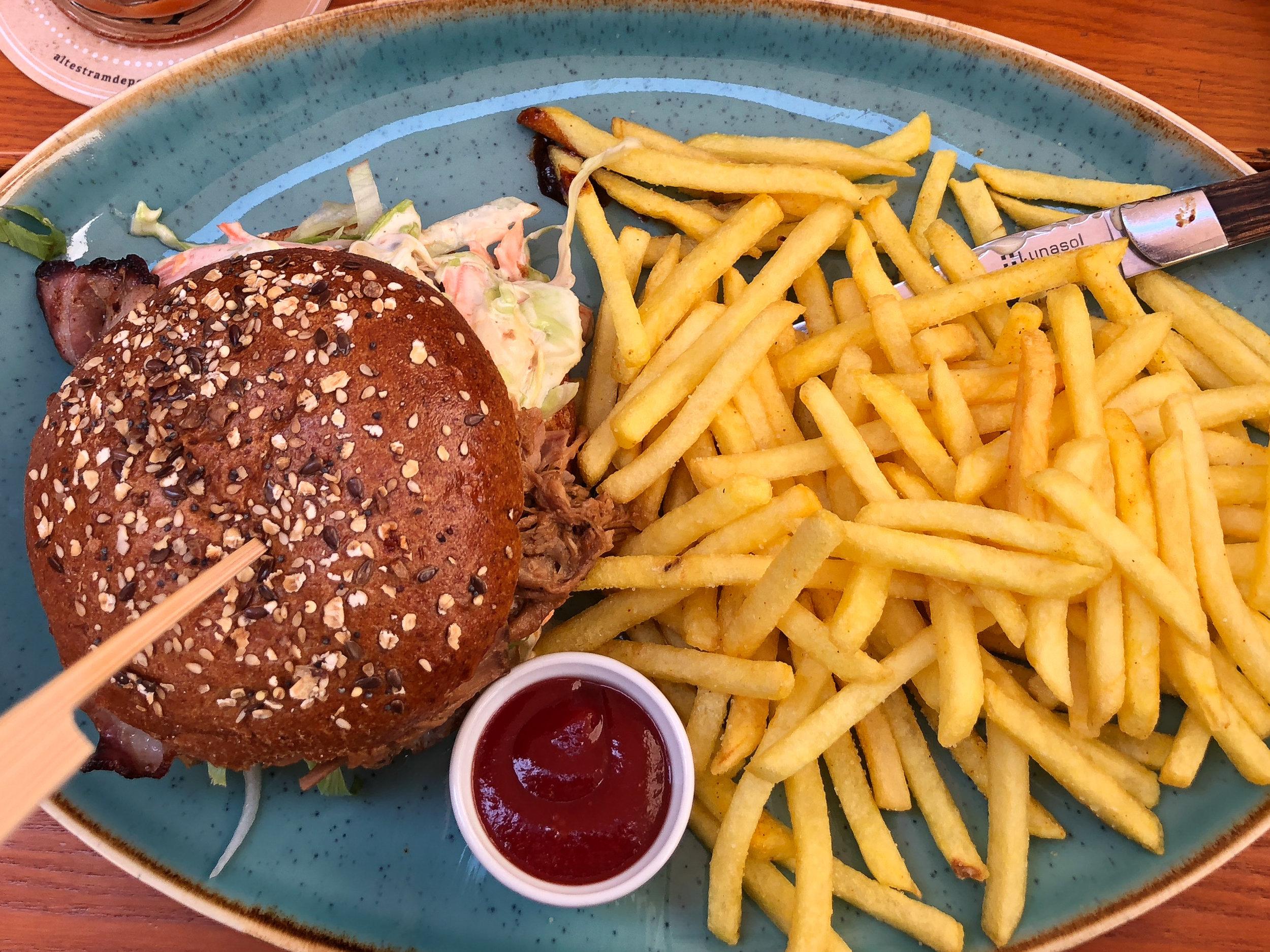Sonoma Burger.jpg