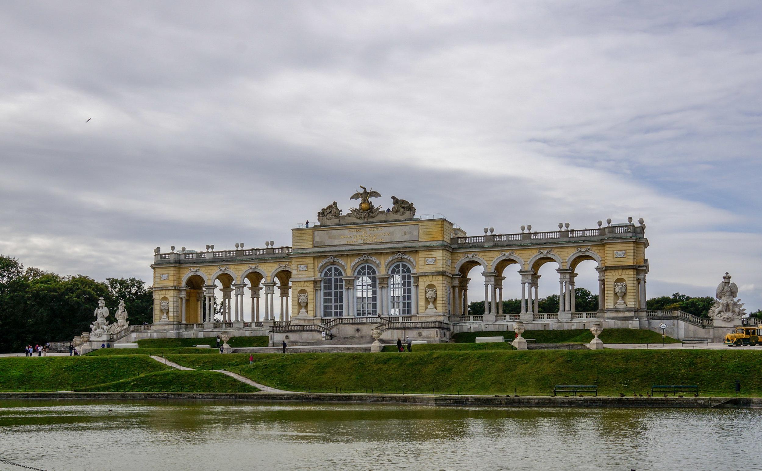 Schoenbrunn Glorietta