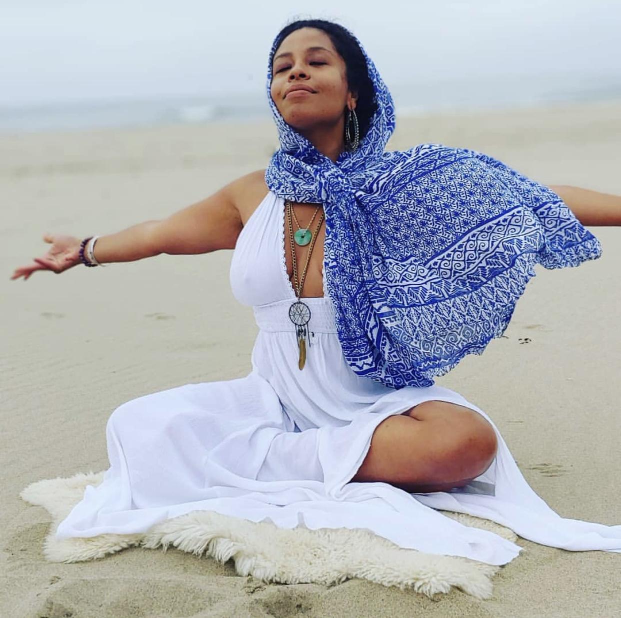 @soulisticwellness GGC #SMALLBIZ SUMMIT Psychotherapist, sound & energy healer