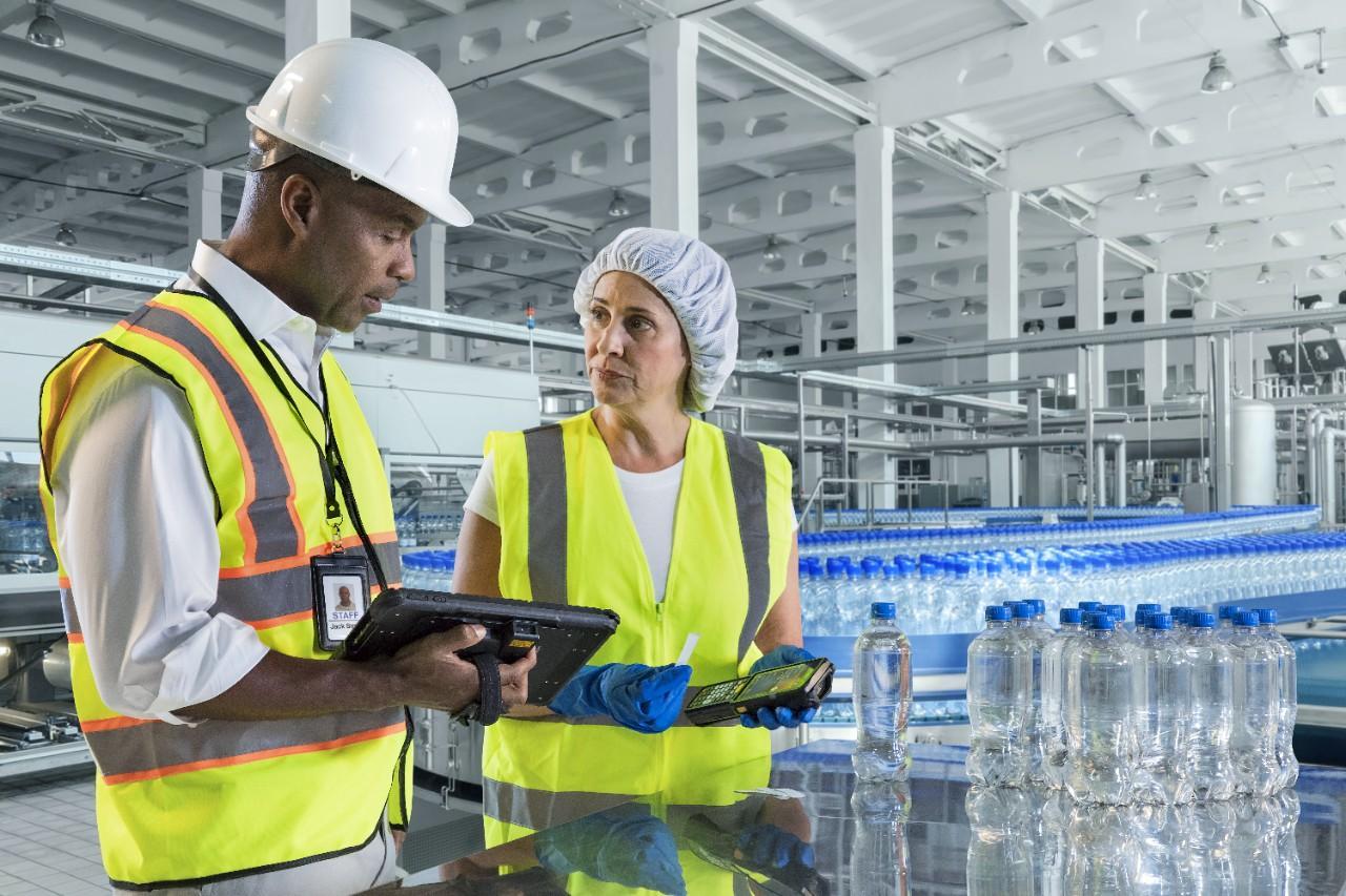 cye-manufacturing-plant-floor-conveyor-2829-source-image-web-72dpi.jpeg