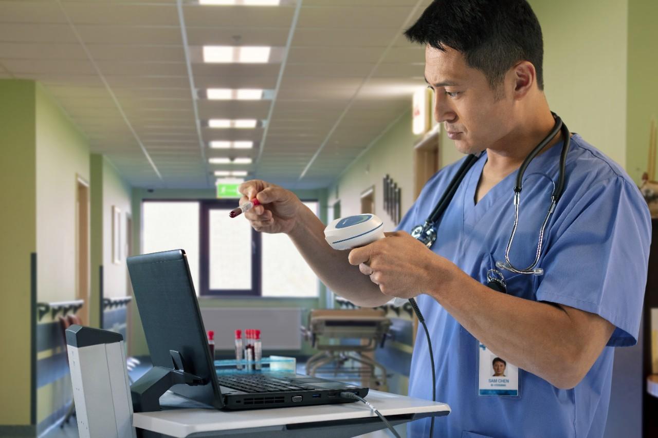 cye-healthcare-nurse-station-9624-source-image-web-72dpi.jpeg