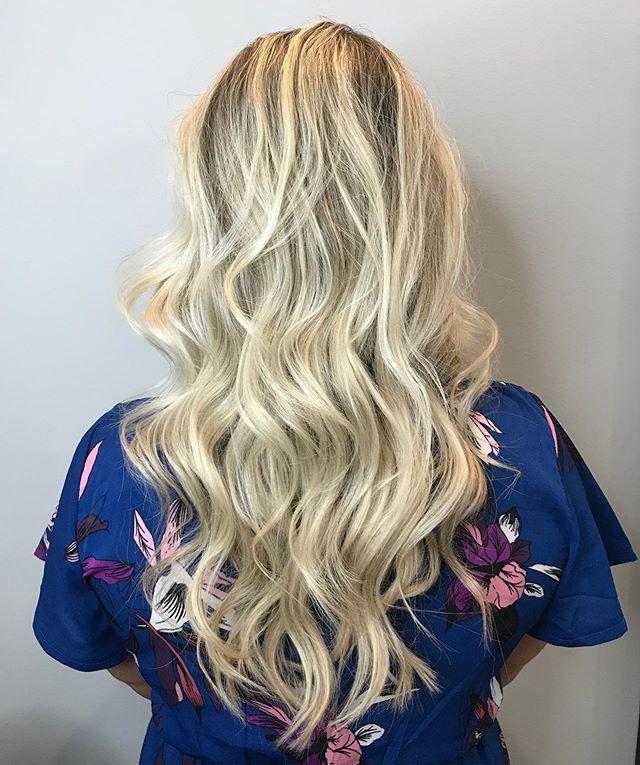 Hair goals 🙌 🙋🏼♀️ 💁🏼♀️ 💇🏼♀️ #hairbyrebecca #longhair #blondehair #platinumblonde #highlights #haircut #hairstylist #stlhairstylist #hairsalon #stlhairsalon #stlouis #stlmo #macklindbusiness #macklindbusinessdistrict #soha #southampton #bookonline #callforappointment #studiolush #studiolushsalon #studiolushstl