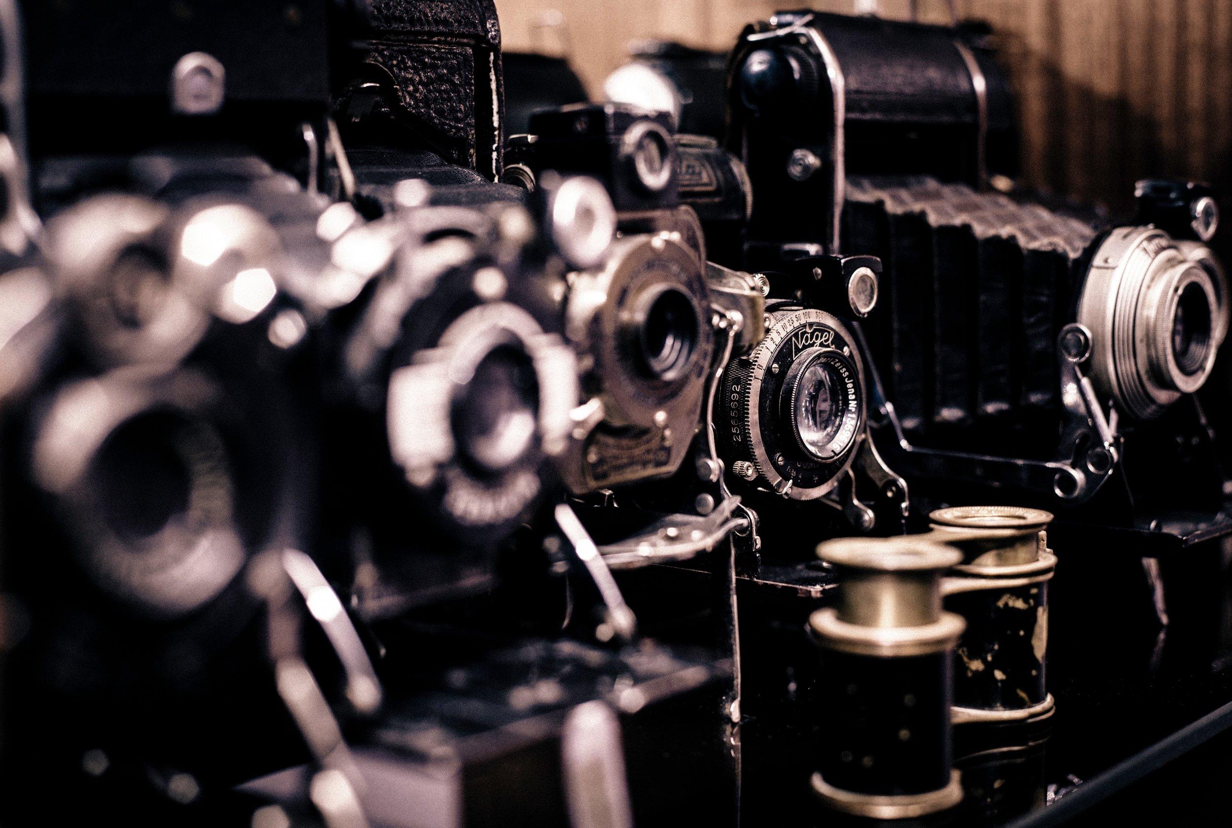 Vintage cameras from Unsplash, Mario Calvo.