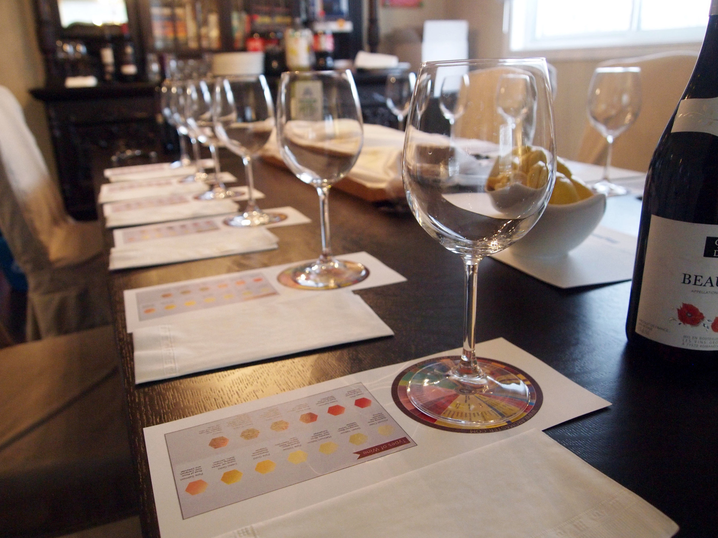 Private Events - Looking for something different to introduce to your social circle? Want to learn about wine or experience fun wine themes? Then host a Vines Play private wine tasting.