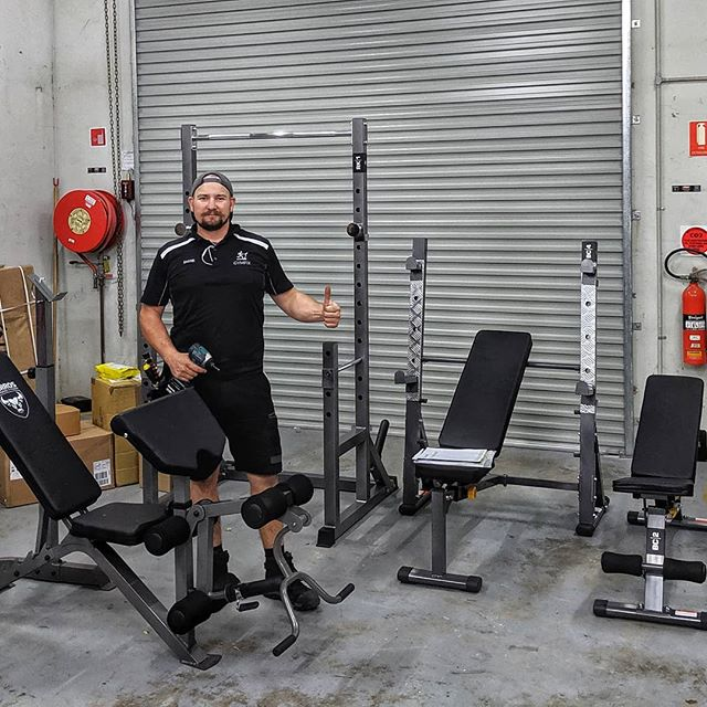 😰 💪🏋️ Busy morning yesterday putting together a bunch of benches and racks, ready for display 💪 😰 🏋️ #gymfix_sunshinecoast #keepsyourunning #sunnycoastlife #sunshinecoasthealthandfitness #homegym #installservicerepair