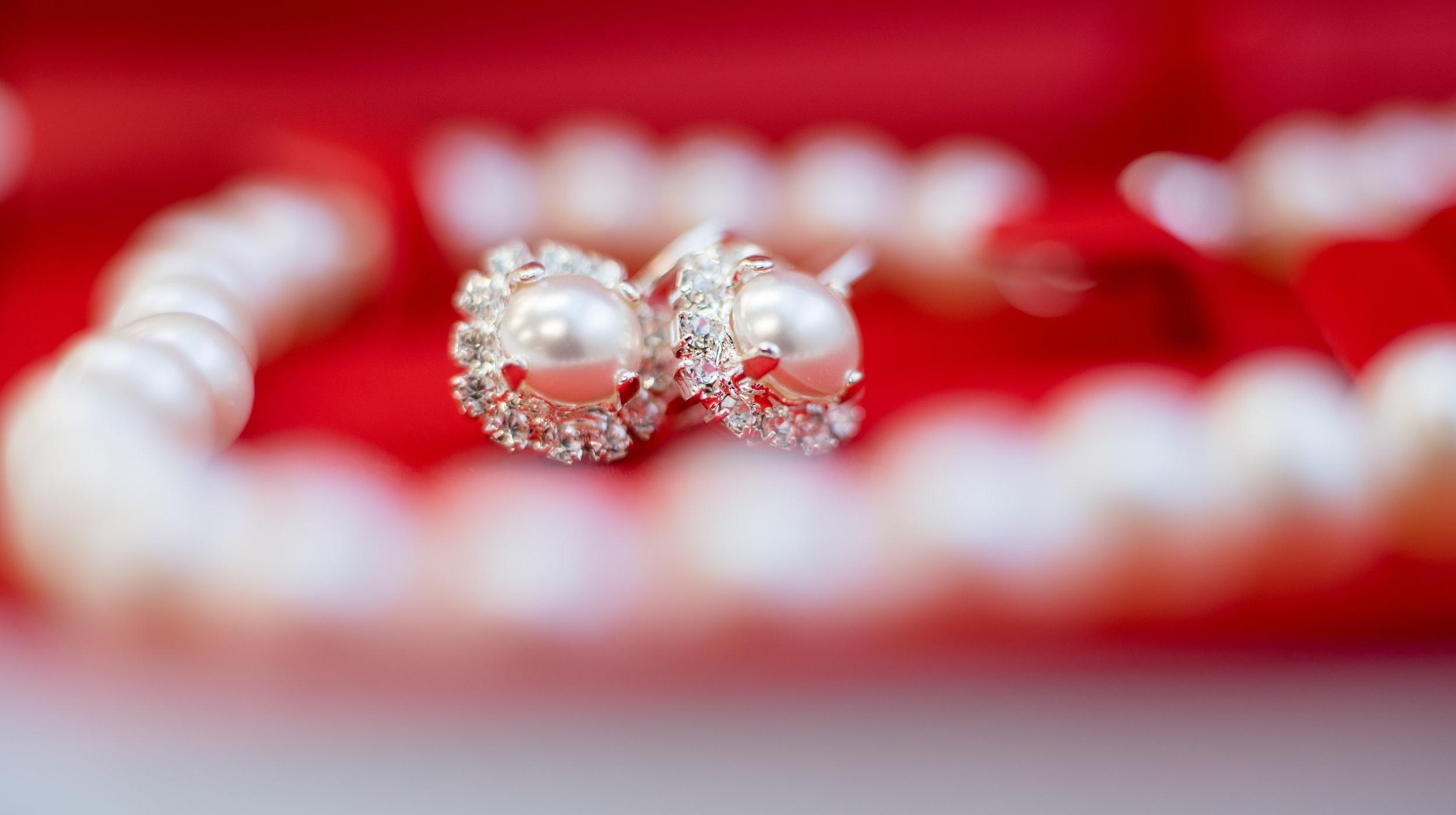 accessory-blur-close-up-1494200.jpg