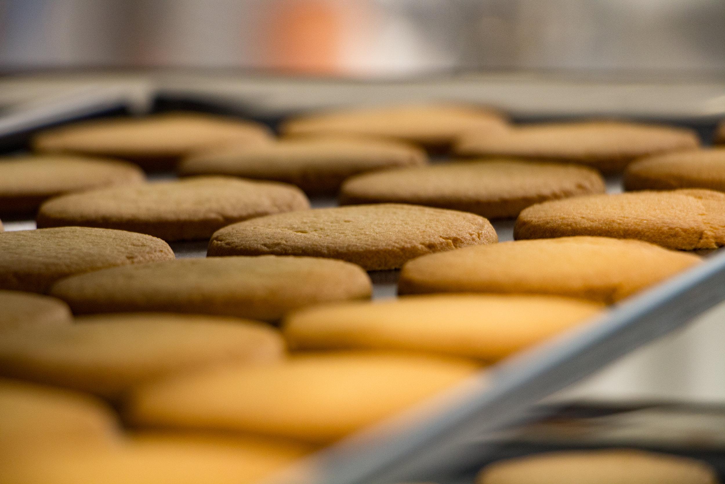Coffret Sablés Addict 1KG - Le Coffret Idéal pour les amoureux du P'tit Sablé Nature : 1kg de nos délicieux biscuits. Un retour aux origines de la Maison Drans qui proposait déjà ce coffret 1kg il y a 50 ans !5 sachets grand format35,50€ - 1KG