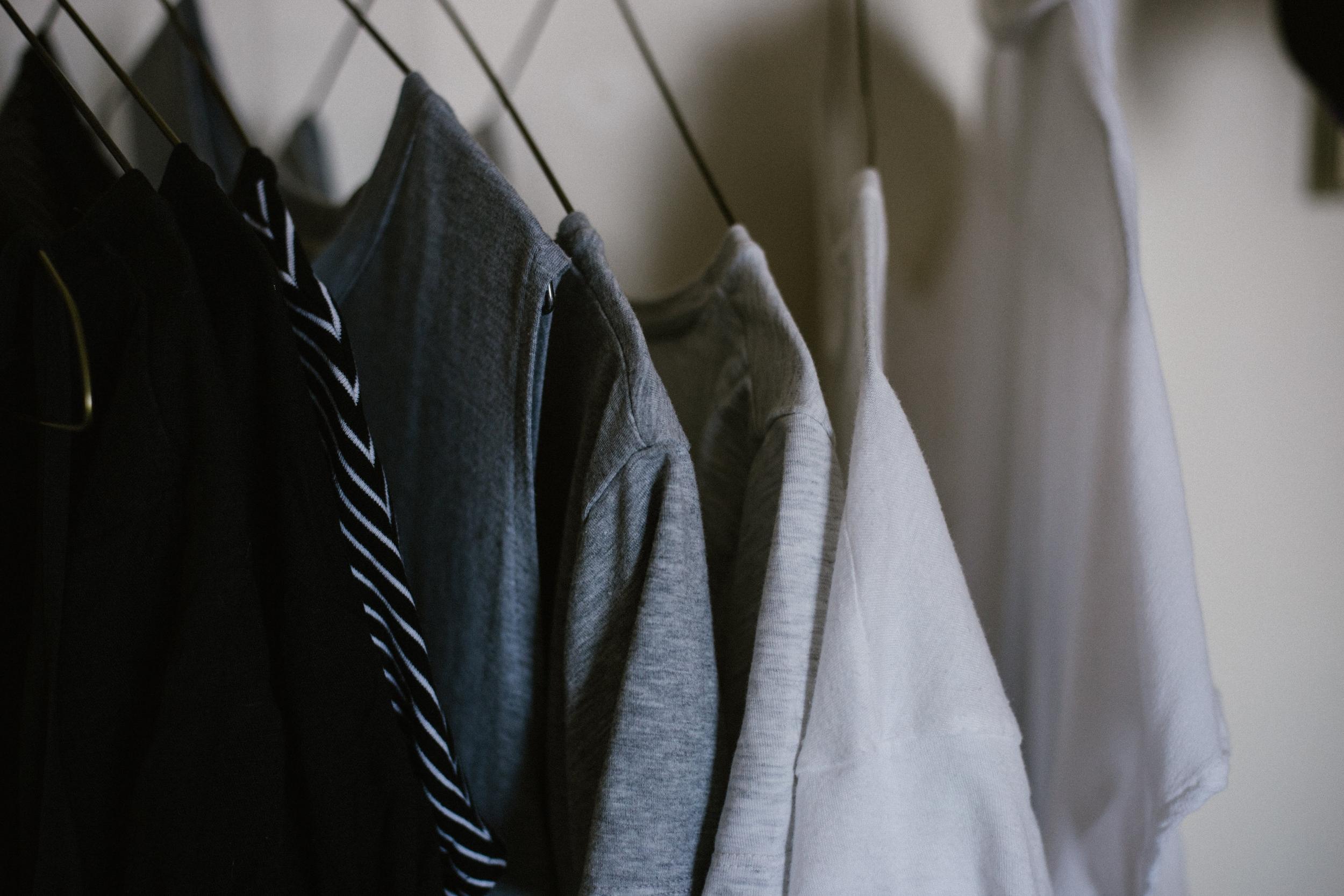 toda tu ropa fotografíada y digitalizada de manera profesional. - Revisa tu armario en 5 minutos como si de una tienda de ropa se tratara.