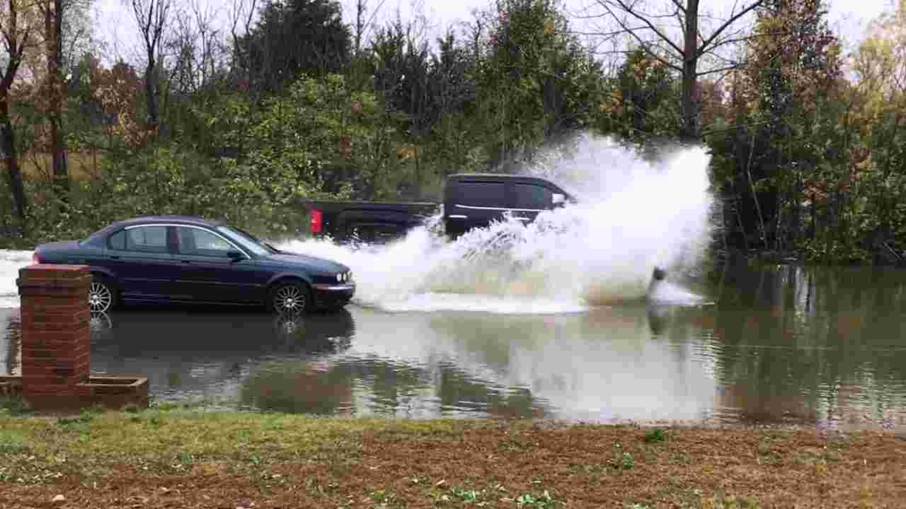 Tennessee water floods cars.jpg