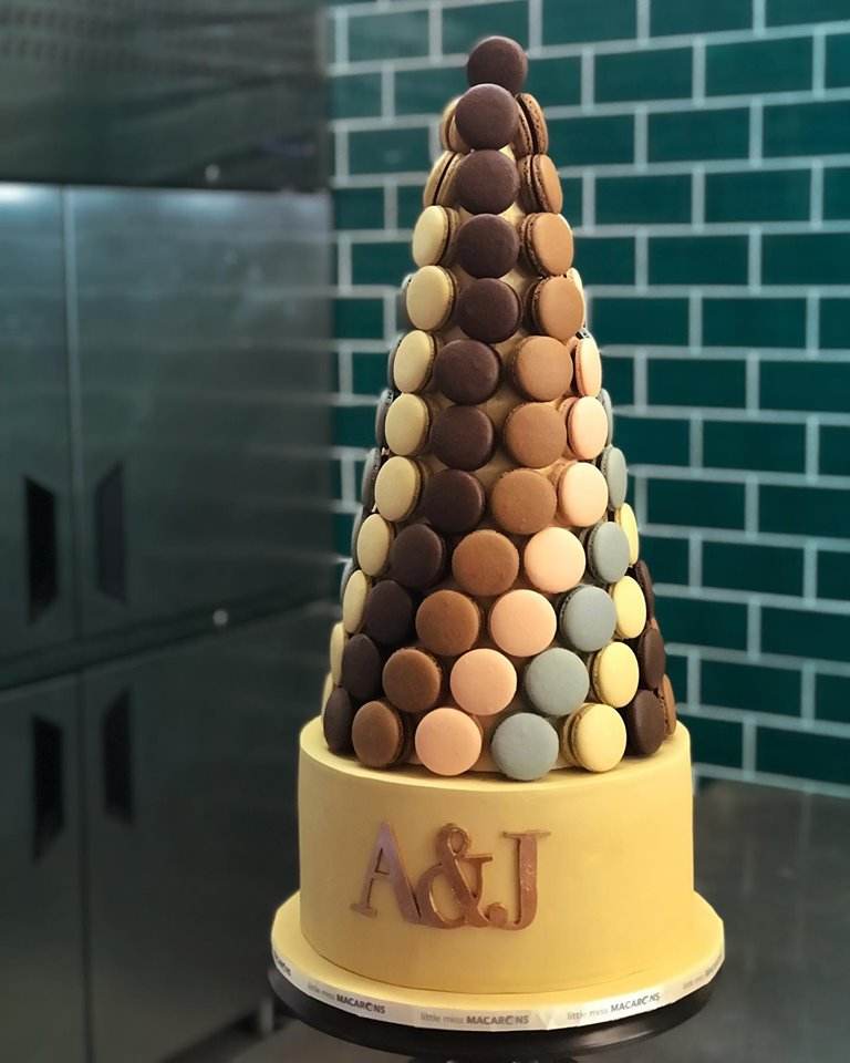 100 Macarons