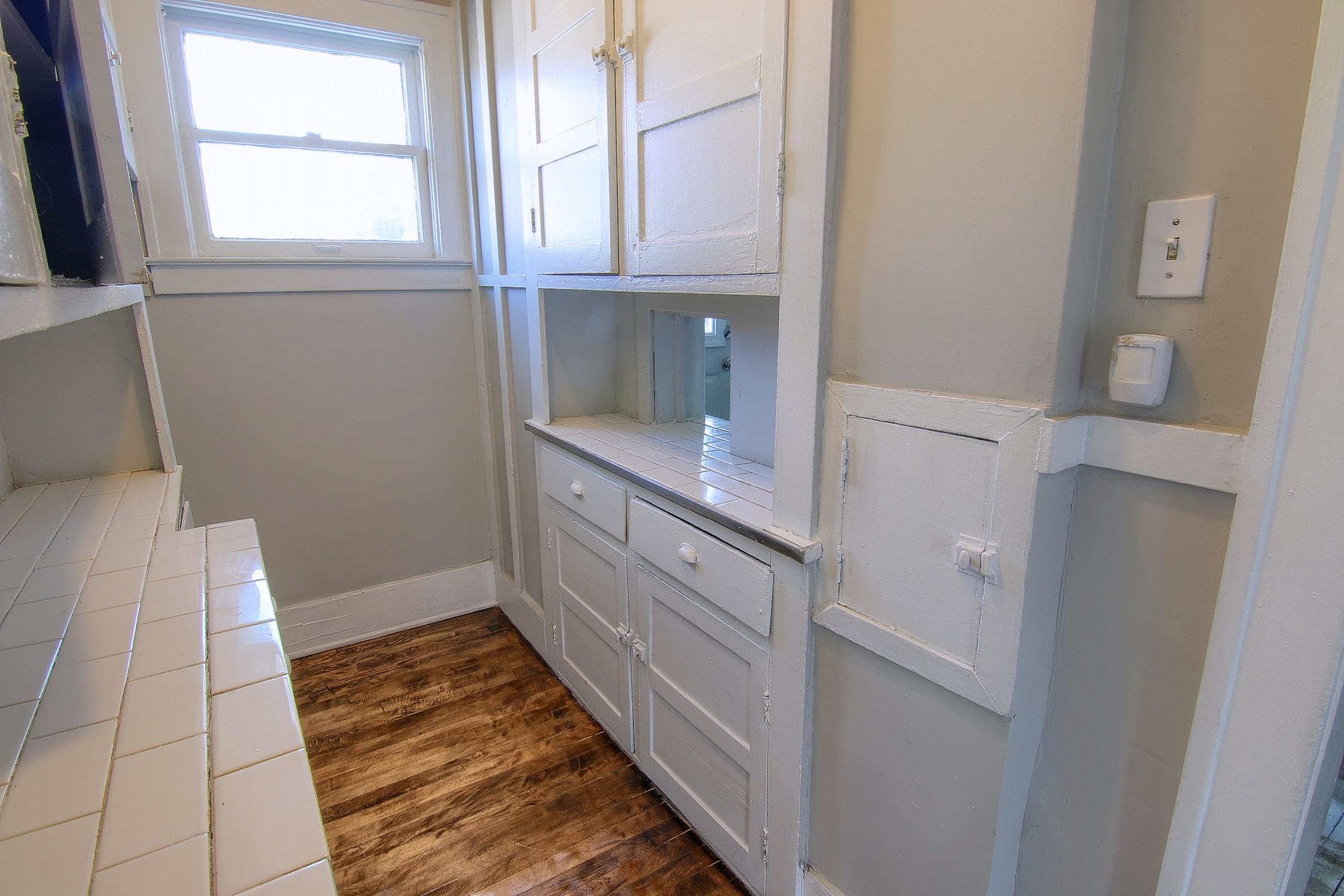 9-Laundry Room.jpg