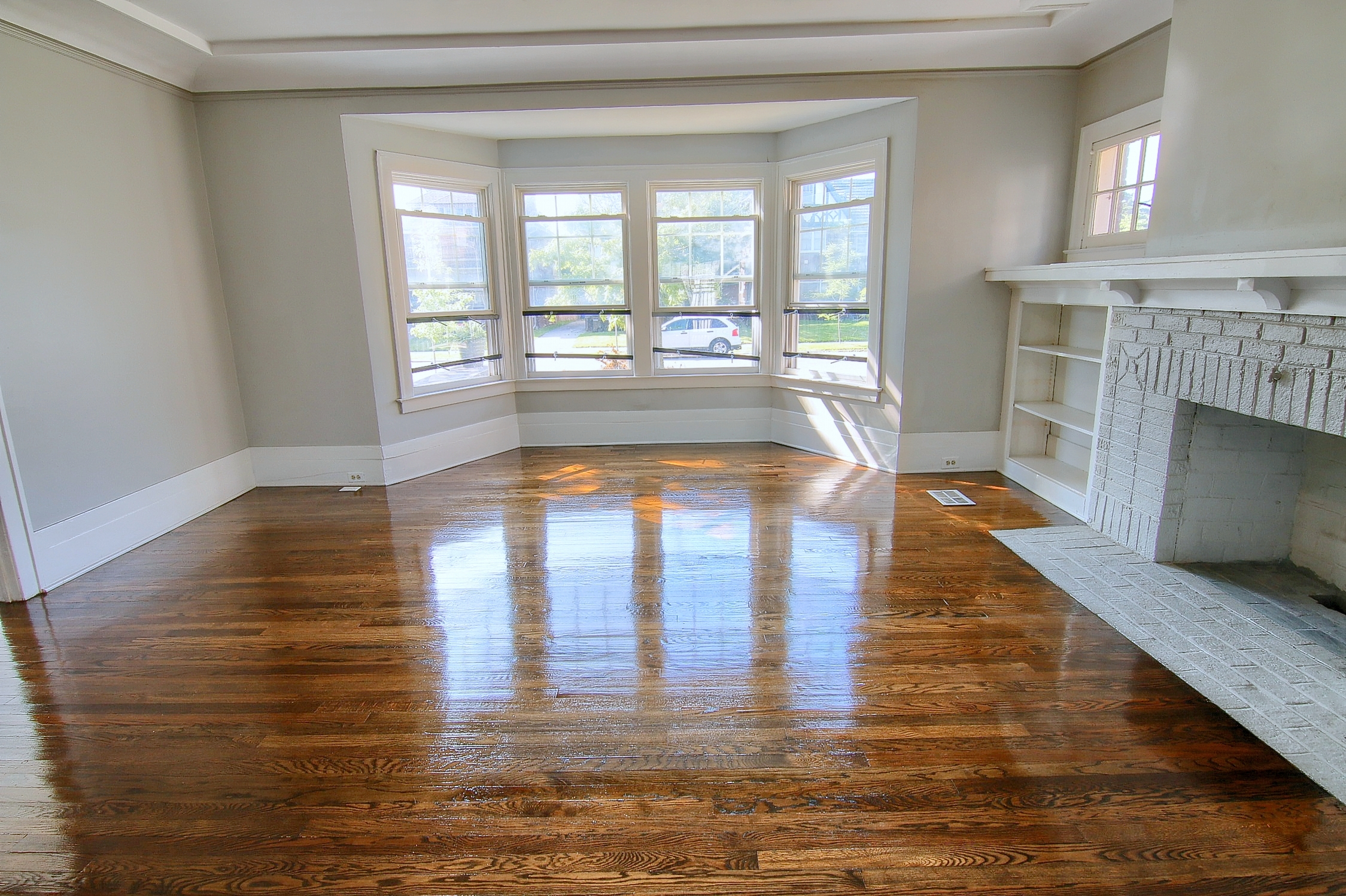 11-Family Room 2nd View.jpg