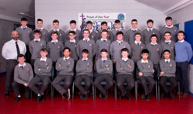 6.3 2017 Class   Back row: Matthew Nolan, Ben Mathews, Pearce Rice, Cian Fitzpatrick, Darren Kerr, Jordan Kelly, Diarmuid Mc Keown, Jack Byrne, Darren Morgan, Kian Harding.  Middle row: Mr Savage Deputy Principal, Sean Rice, Luke Byrne, Shane Levins, Sean Butterly, Finn Madden, Tadgh O Reilly, Thomas Clarke, PJ Carr, Conor Sweeney, Mr O Neill.  Front row: Daragh Halpin, Alex McCarthy, Lorcan Chieng Lee, Ryan sands, James Tester, Kristofer Tarvdis, Dih Wei Chieng, Leanne Ison.