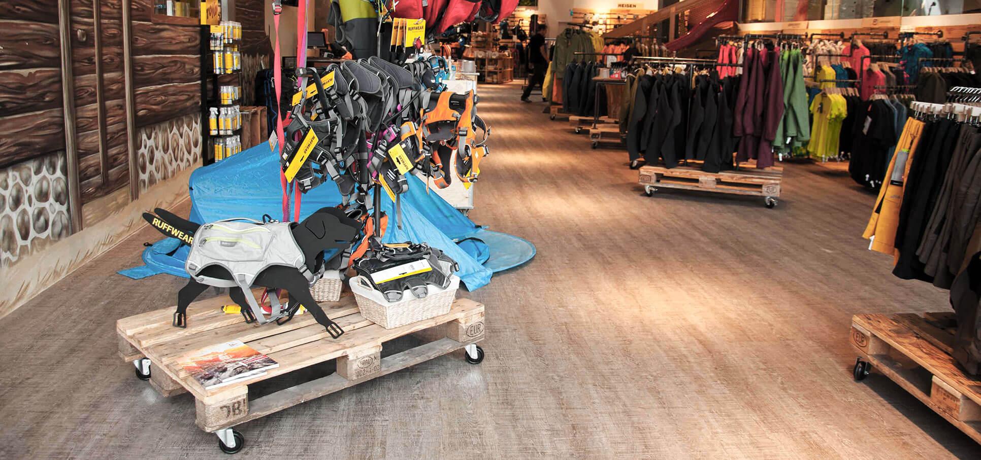 spatz-camping-outdoor-store-ladenbau-interiordesign-ladeneinrichtung01.jpg