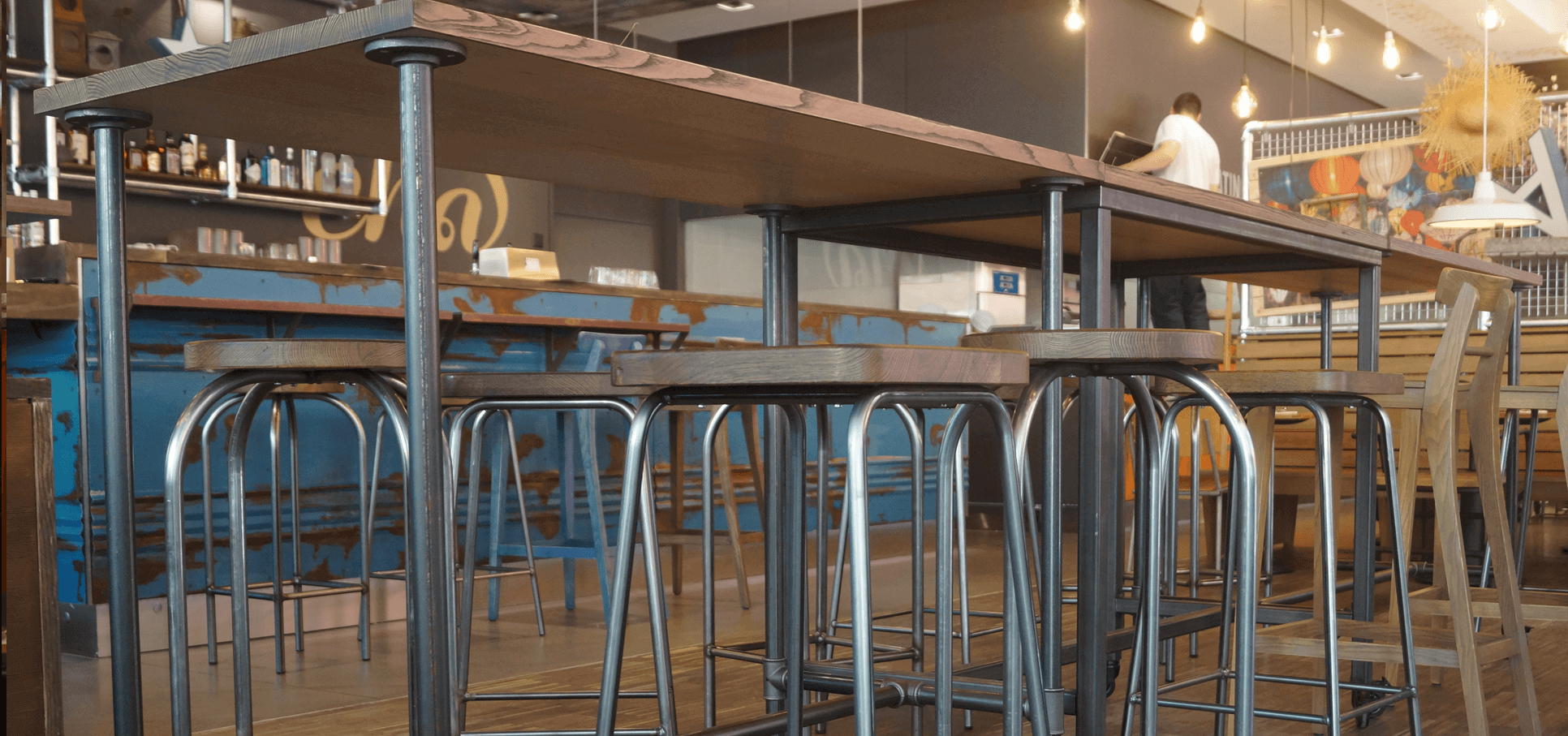 Ladenbau-Restaurant-ChaCha-rohrfabrik-vintage-rohre3.png
