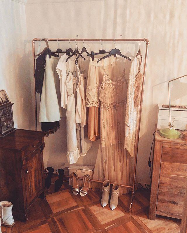 a girls dream... ❤️ . . . . #kupfer #kleiderständer #made in #meilen #shipping over #wädenswil 🛳 #danke #veraley_photography_makeup #rohrfabrik #möbeldesign #handmade #switzerland #ufgruumt #aufgeräumt #agirlsdream #madewithlove