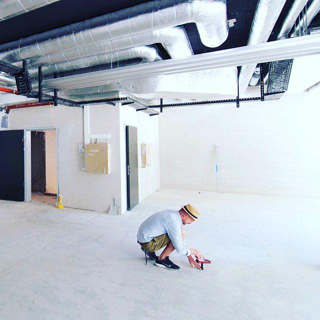 going for the next project 🤩 @glore_luzern -  #zurich . . . . #rohrfabrik #interiordesign #gloreluzern #begreeninanycolouryoulike #fairfashion #design #innenarchitektur #newfashion #store #storedesign #kreis4