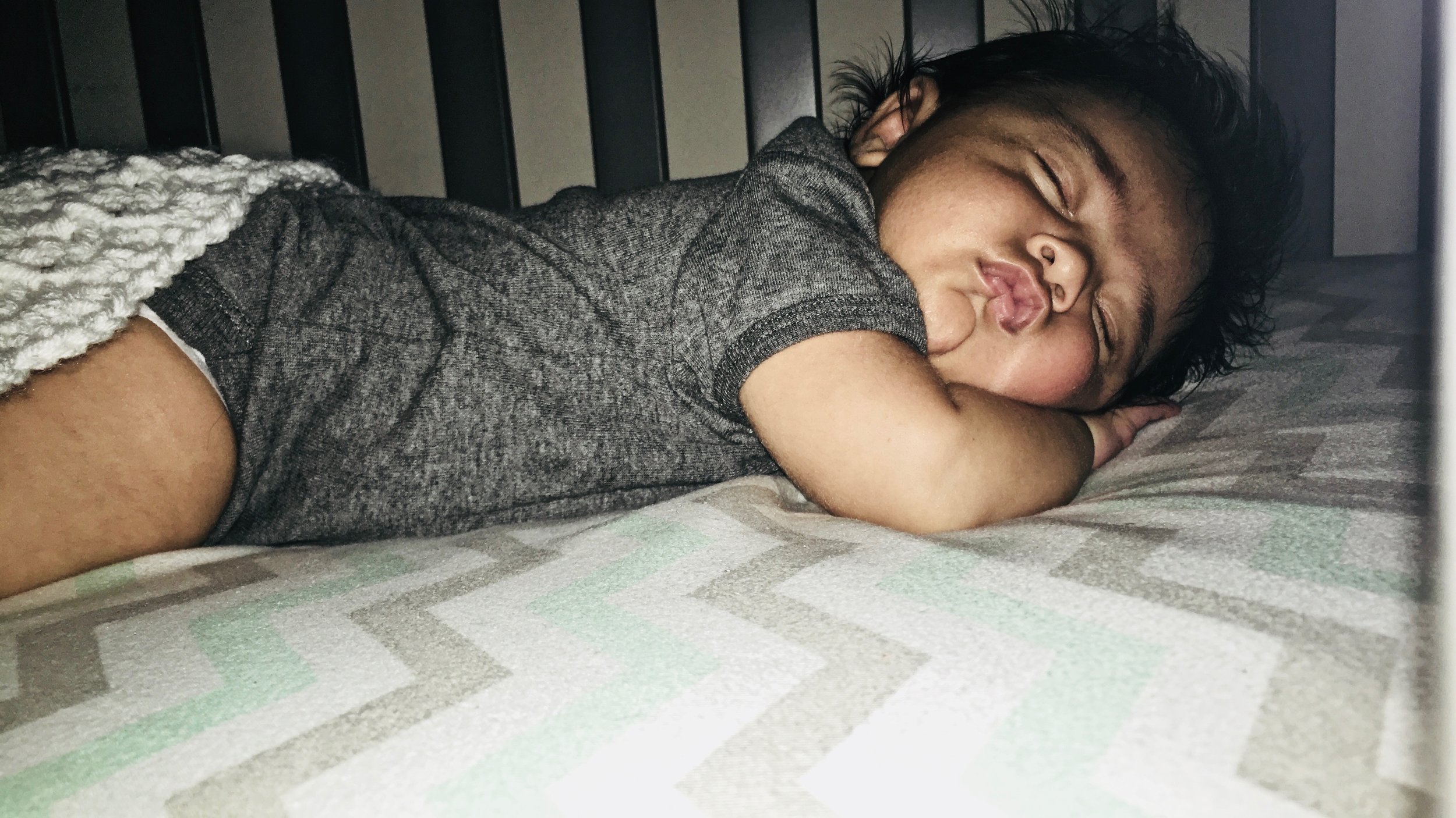 stomach sleeping alleviates babies with reflux