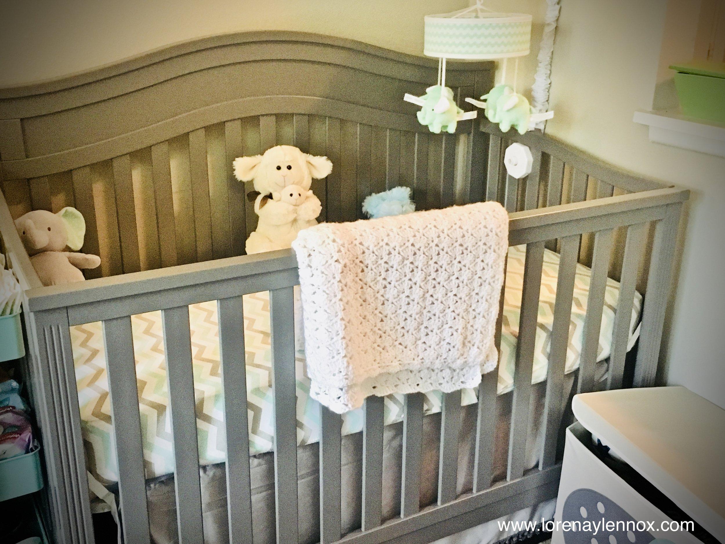 Nursery Baby Registry Essentials. Mint and Grey Nursery Theme.