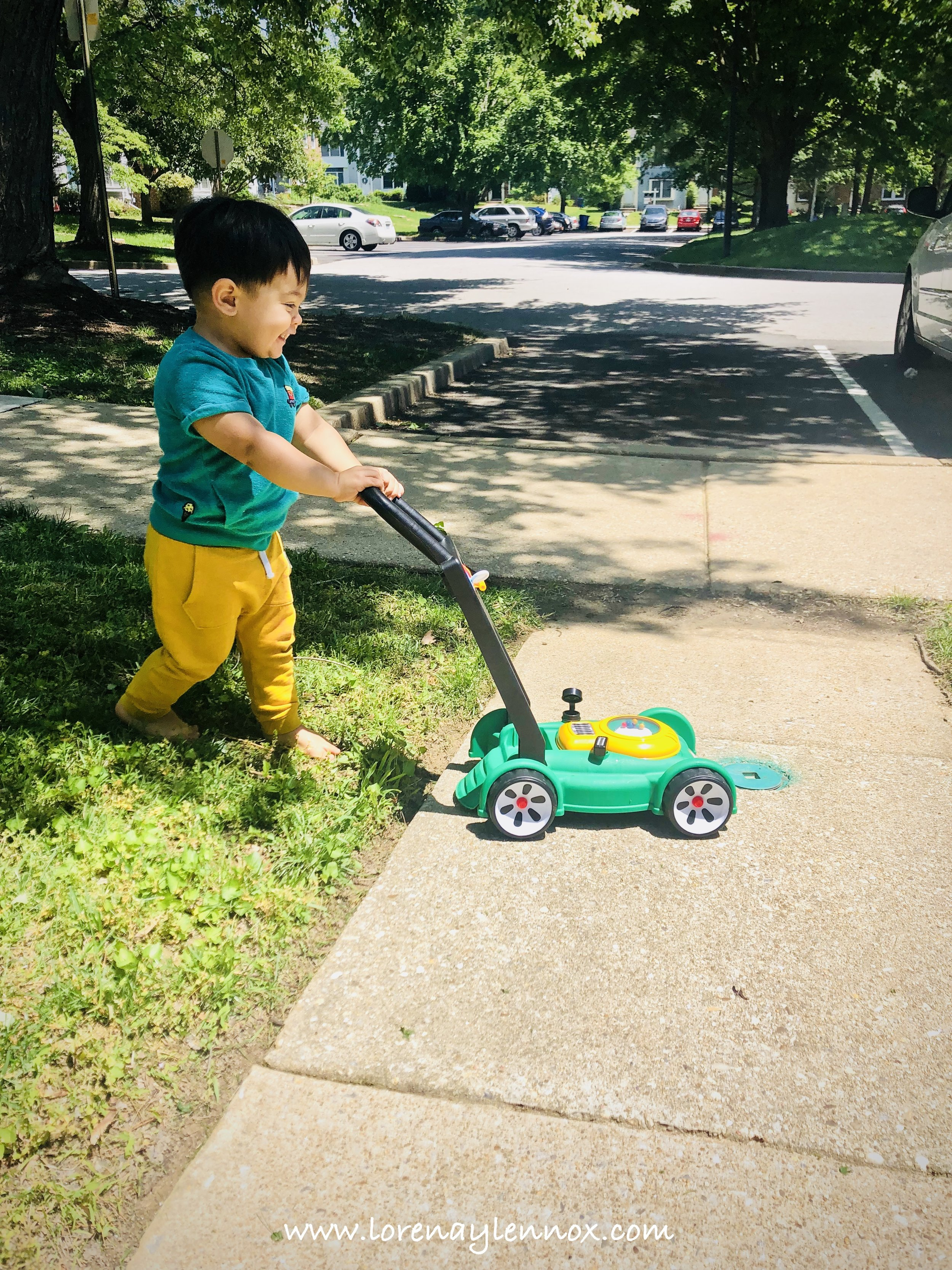 20 Outdoor Toys That Will Keep Your Toddler Busy This Summer