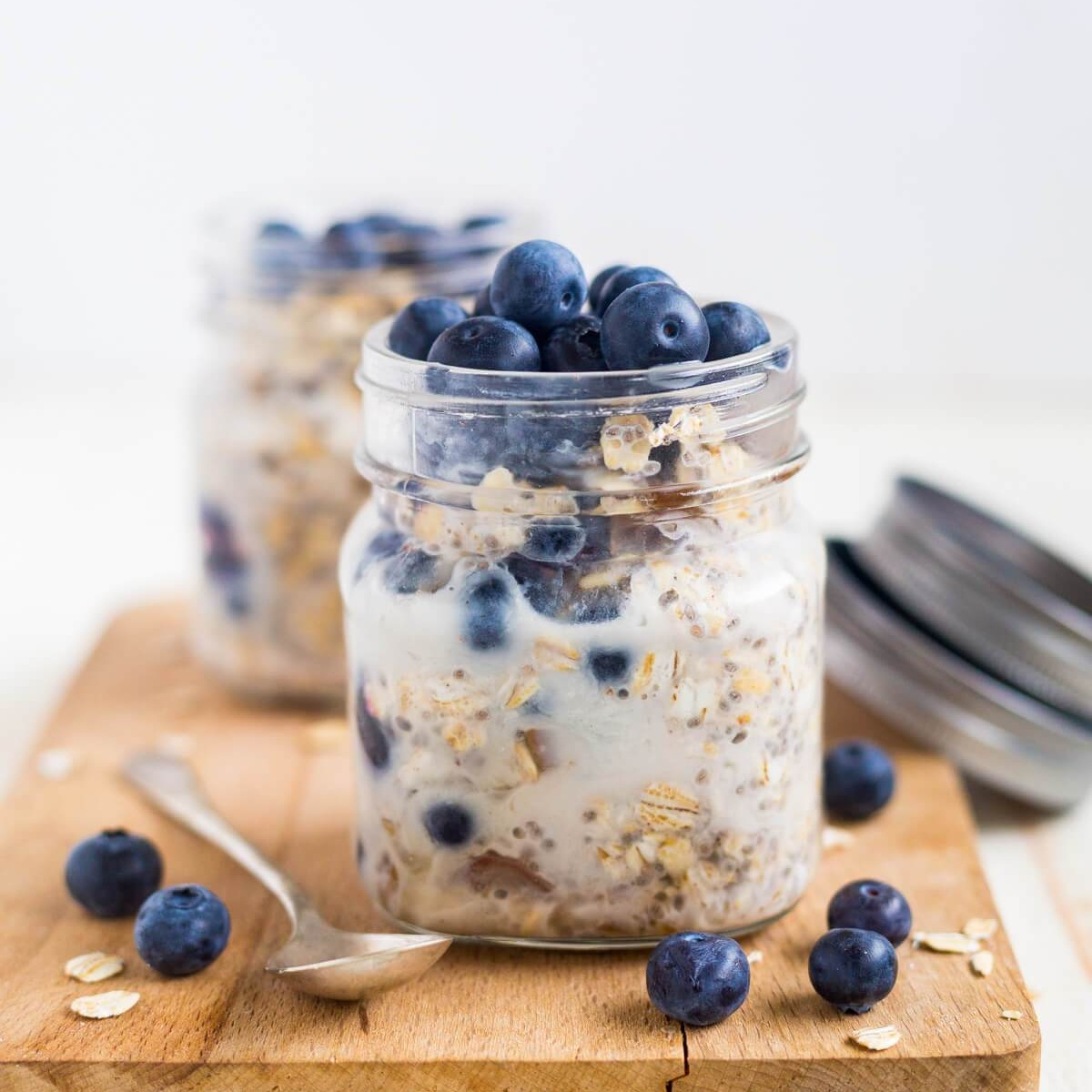 blueberry-overnight-oats-11.jpg