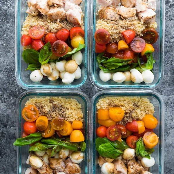 Chicken-Caprese-Salad-Meal-Prep-Bowls-600x900.jpg