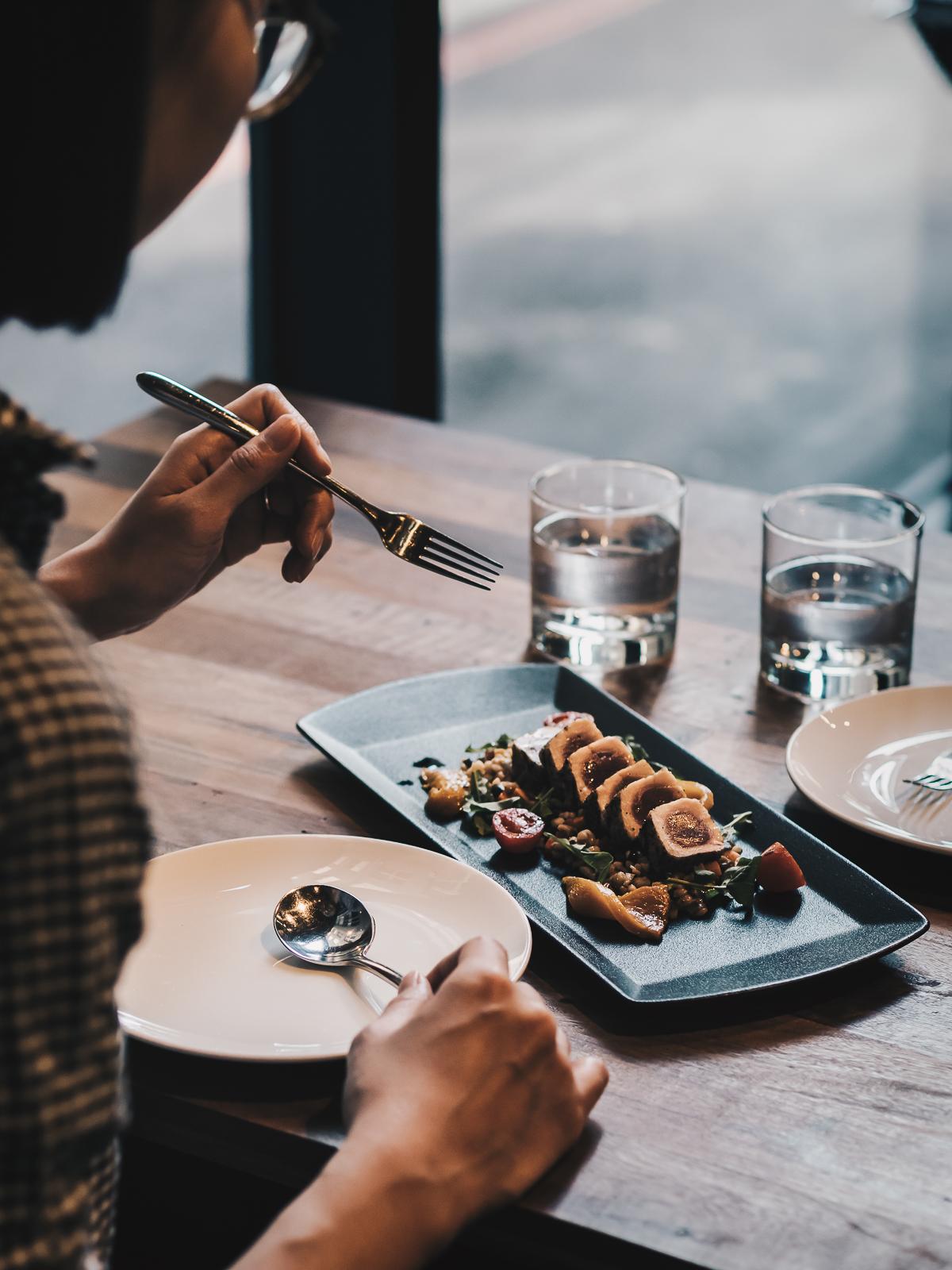 直火炭烤鮪魚大麥沙拉 Charcoaled Tuna with Barley Salad