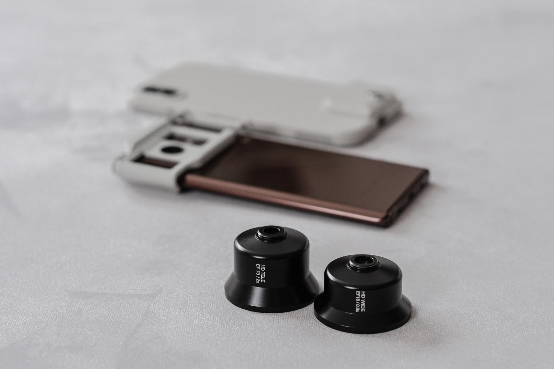 左:高階望遠鏡頭 HD Telephoto Lens / 右:高階廣角鏡頭 HD Wide Angle Lens