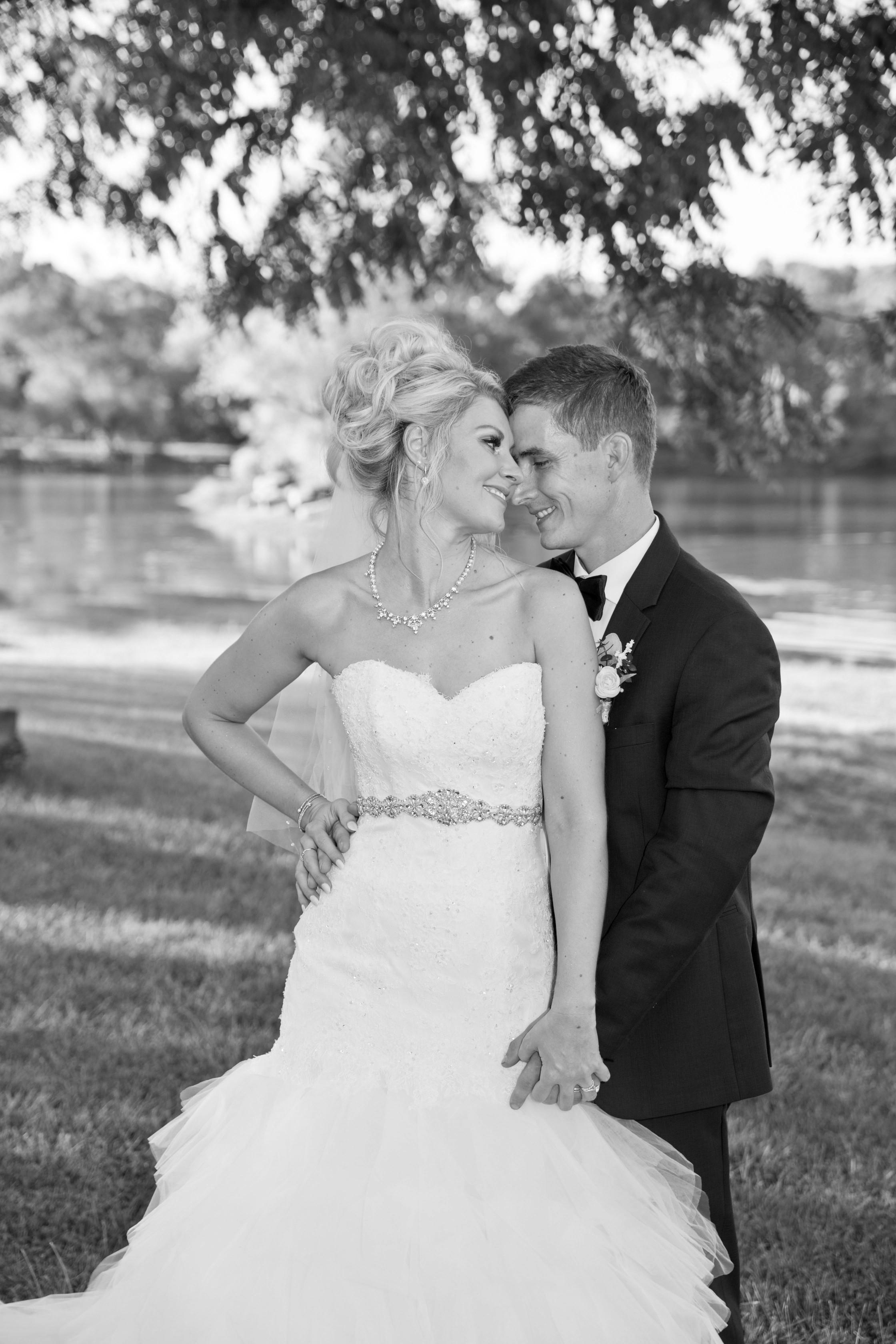 Wedding (243)B&W.jpg