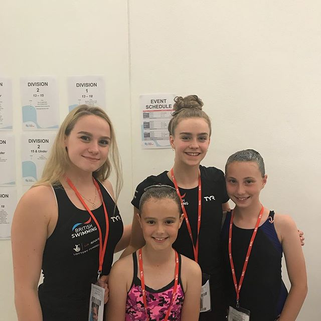 Tb to the combo cup with two of our 12u inspiring to be GB synchro swimmers!  We want to wish @kate.izzy_official and @gbsynchro the best of luck at the junior worlds! 🇬🇧🍀