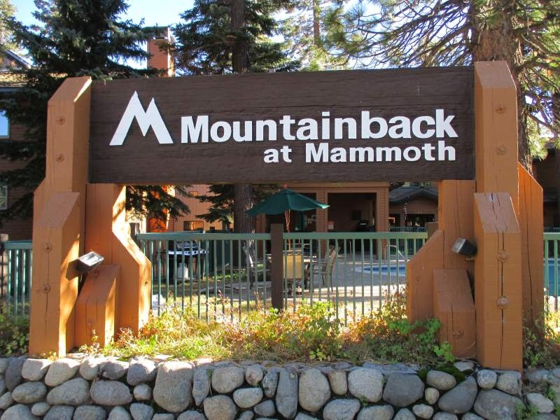 Mountainback-Condominiums-Mammoth-Lakes-Sign.jpg