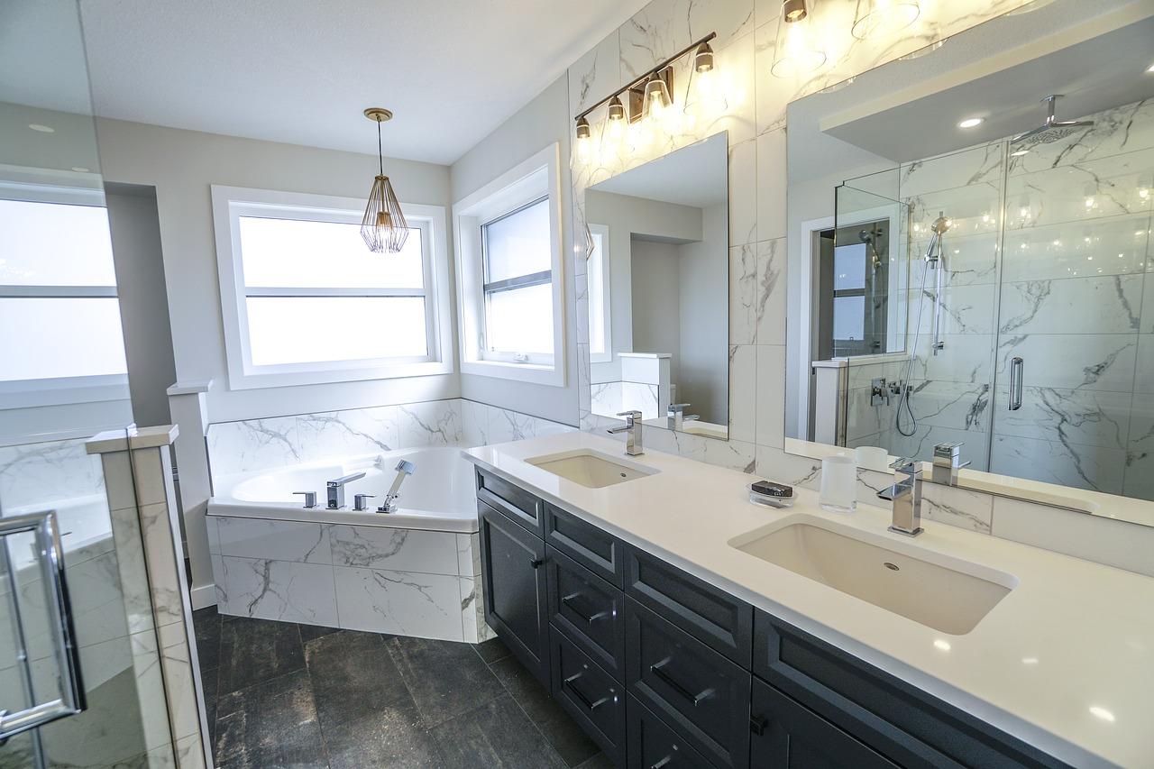 bathroom-3689922_1280.jpg