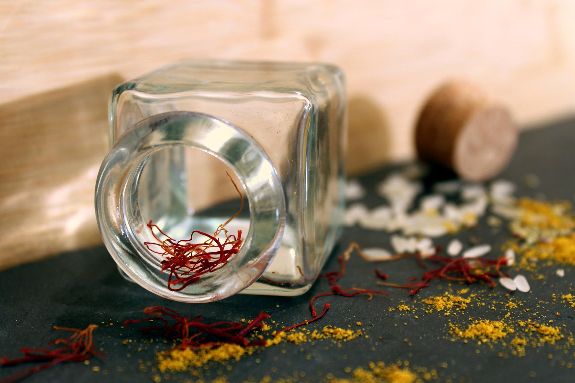saffron-3082635_1920.jpg
