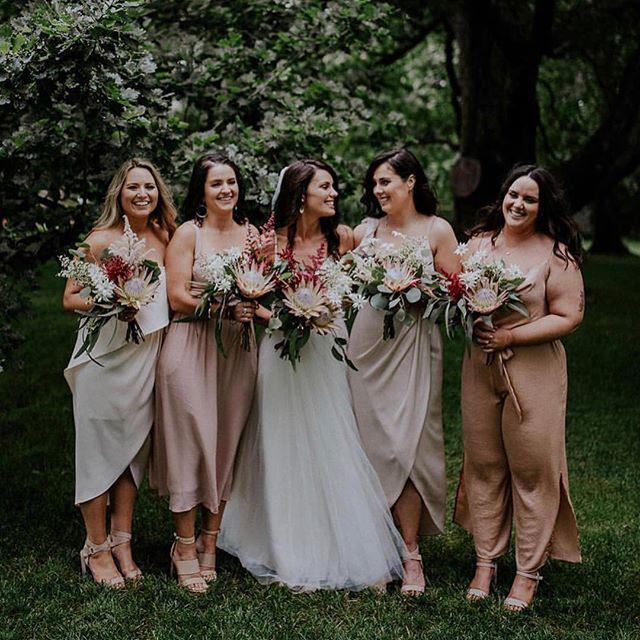 Sunday's are for the GALS 💕 | #Shoutout to @cwalt's beautiful bridal party 👭👭