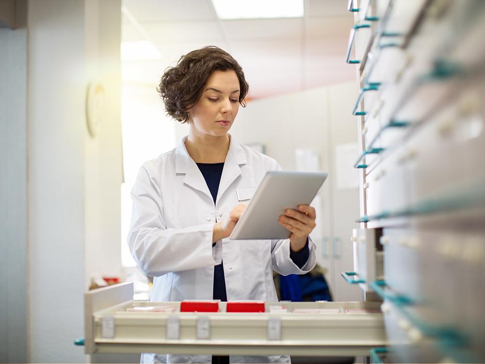 testo-pharmacy-shelf-pharmacist-edited.jpg