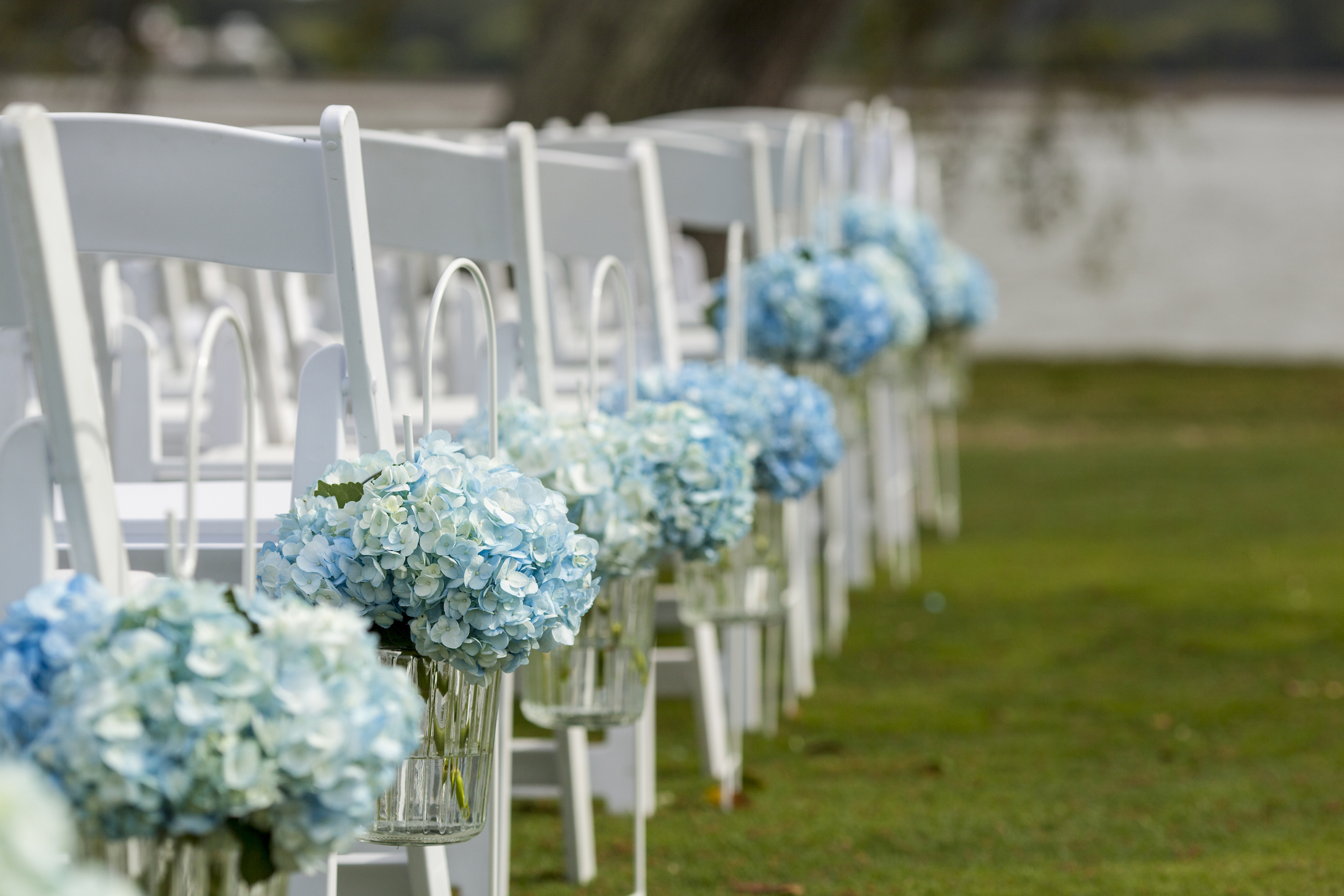 The Pros and Cons of An Outdoor Wedding