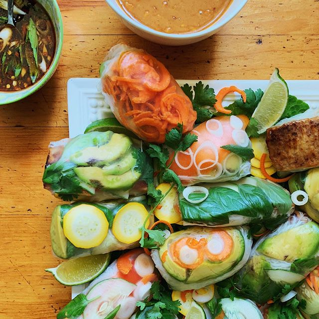 Fresh summer rolls to celebrate @sandra_lee14 !!!! Love you lots, mom 💛⁣⁣ .⁣ .⁣ .⁣ .⁣ .⁣ .⁣ .⁣ .⁣ .⁣ .⁣ #springrolls #tasty #vegan #summertime #veganrecipe #foodshare #veganfoodshare #foodphotography #plantbased #wholefoods #feedfeed #igfood #nomnomnom #whatveganseat #eeeeeats #fresh #veganfood #glutenfree #vegetarianrecipes #veganbirthday