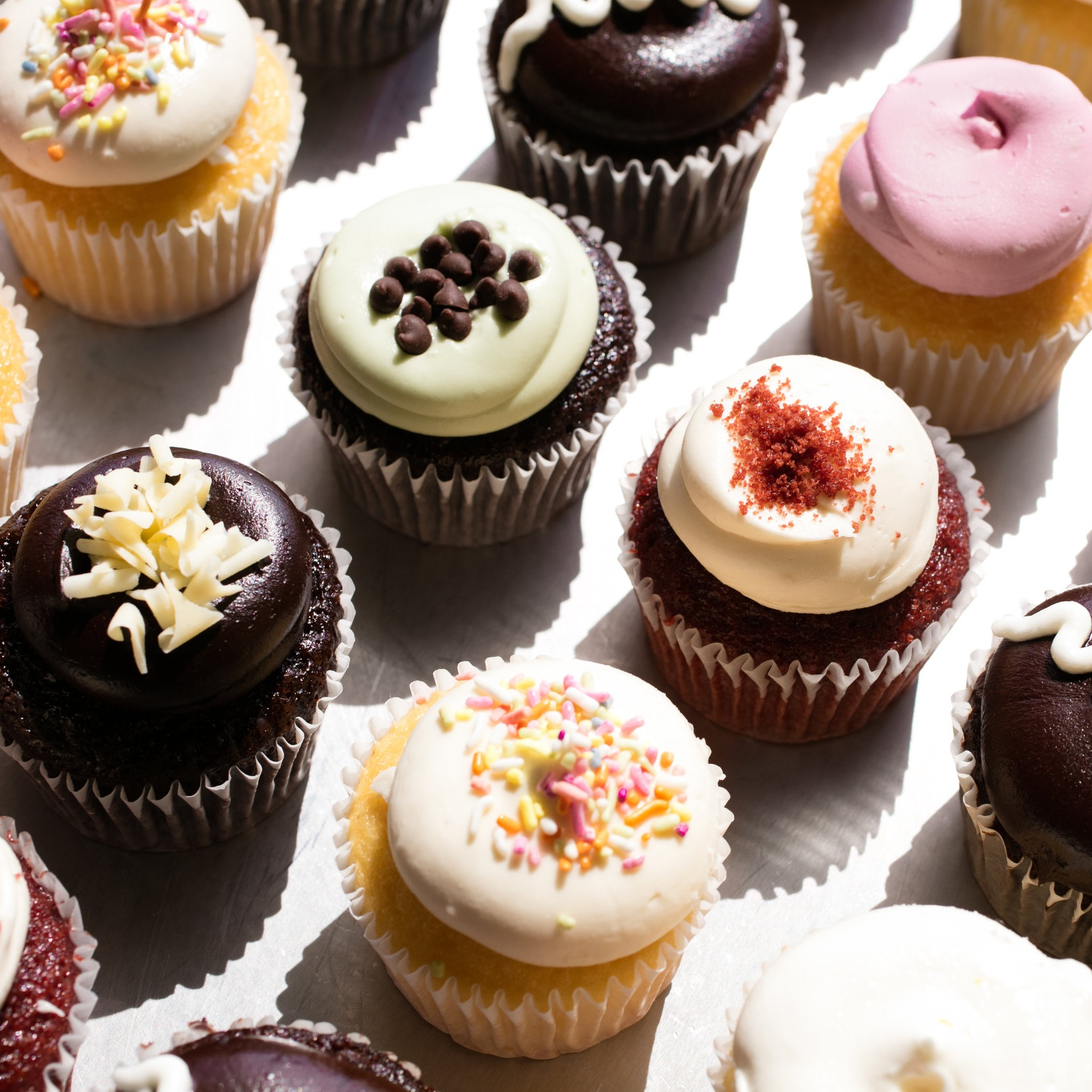 Cupcakes+on+slant+w+shadow+FINAL+%281%29.jpg