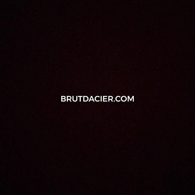 🎉Le site est en ligne ! 🎉 www.brutdacier.com . . . .  #interior #instahome #homedecor #interior4all #decoration #interiores #furniture #homestyle #interiors #interiorstyling #archilovers #interior123 #architecturelovers #inredning #myhome #interiordecor #homedesign #finahem #livingroom #nordiskehjem #archidaily #arquitecturadeinteriores  #france_vacations #wu_france #france_photolovers #unlimitedfrance #exclusive_france #super_france  #focalmarked
