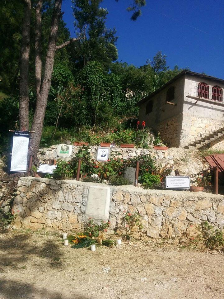 Mémorial d'Hector Riobé au lieu de la confrontation à Godet, Furcy.