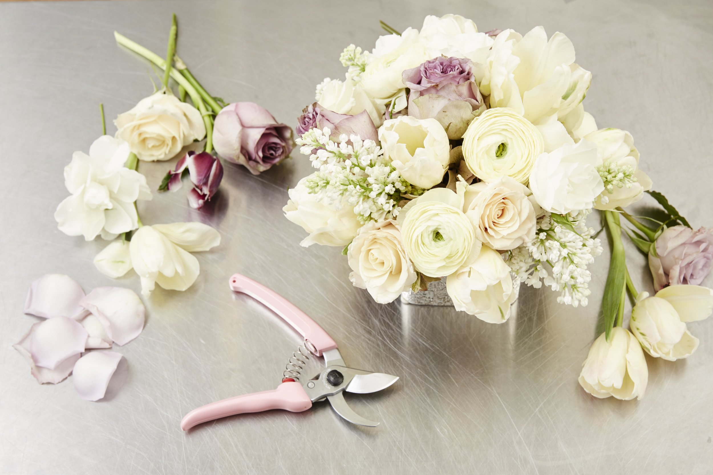 DIY SPRING FLOWER ARRANGEMENT - STEP BY STEP GUIDE - B FLORAL