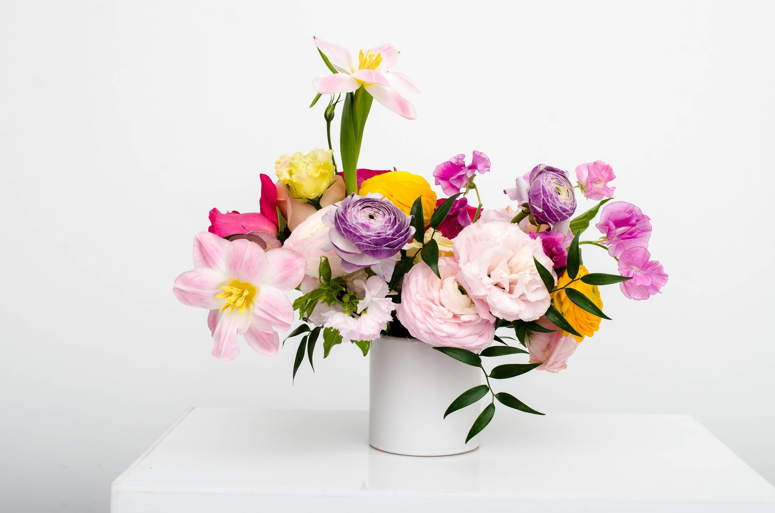 DIY SPRING FLOWER ARRANGEMENT - STEP BY STEP GUIDE - CONTRASTING COLORS - B FLORAL
