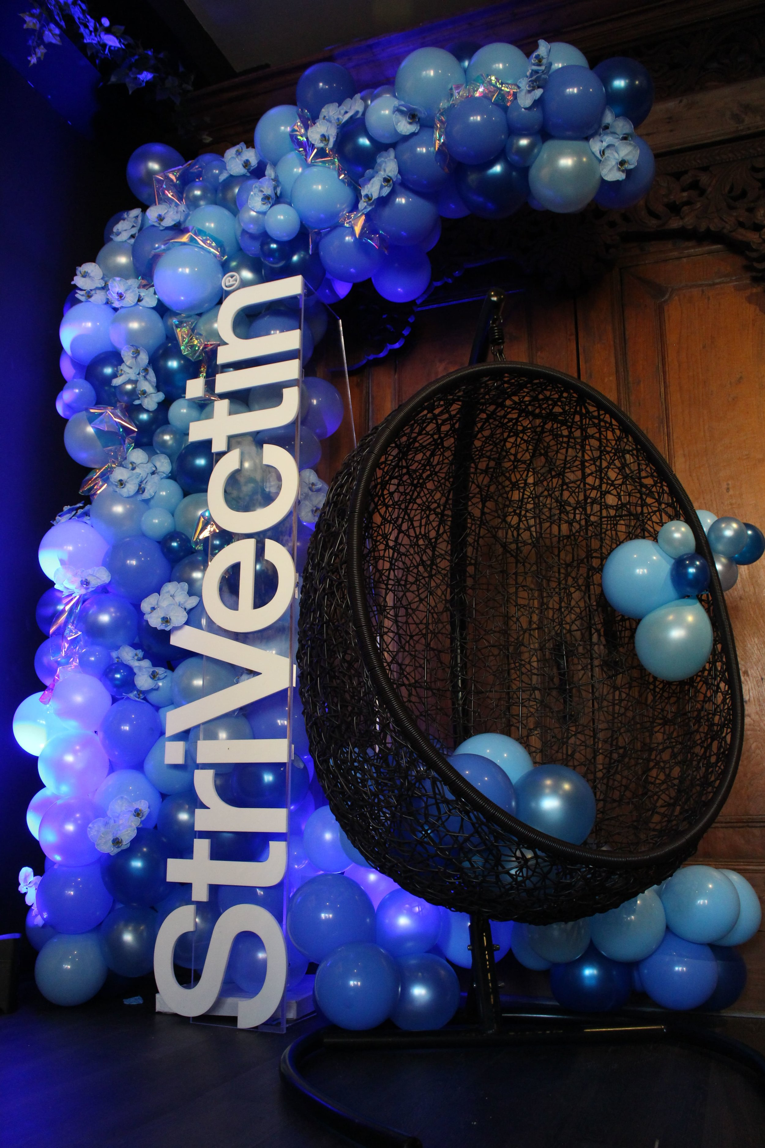 StriVectin Launch Party Photo Moment - B Floral