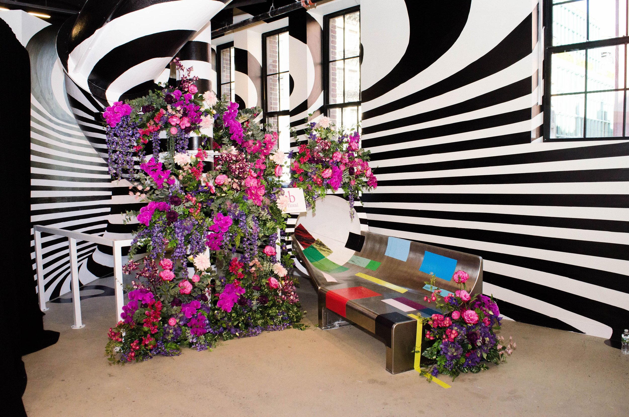 SHOWFIELDS Slide Installation - B Floral