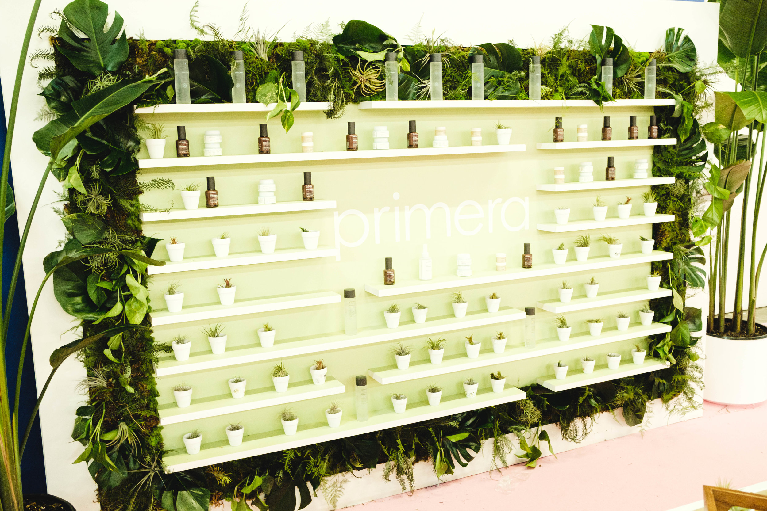 Primera Greenery Shelving Display