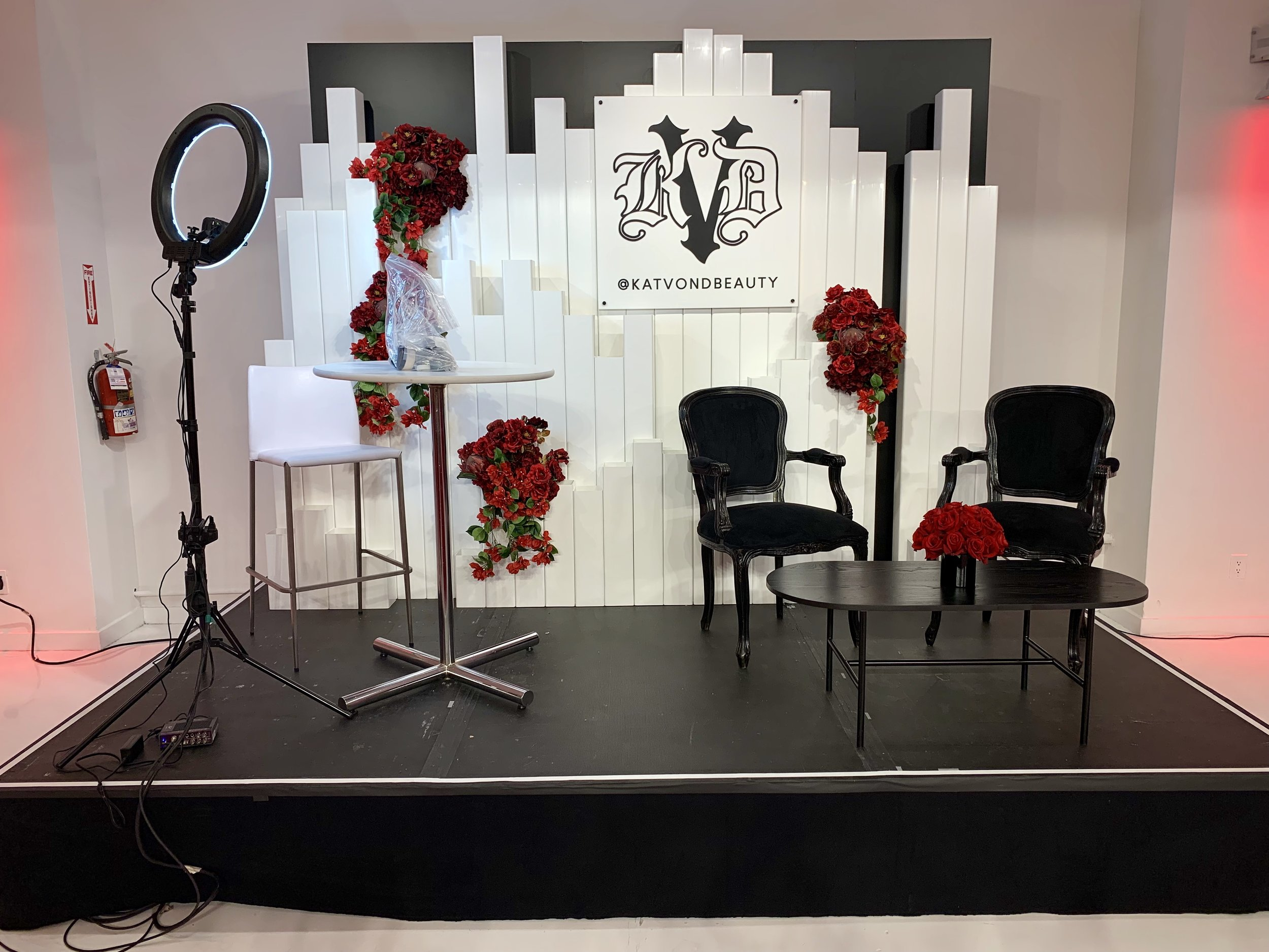KAT VON D - BEAUTY - STAGE DESIGN - KENDO BRANDS